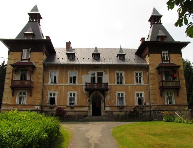 Střecha vily Maria ve své původní kráse