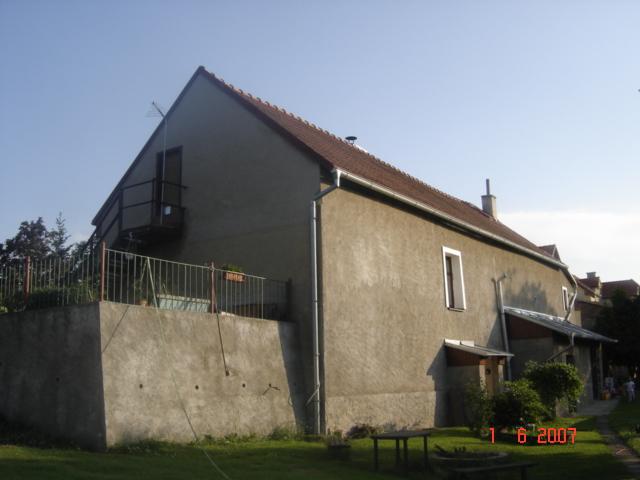 Stav před rekonstrukcí, zadní část domu